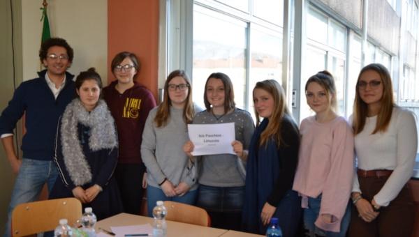 """Una delle due squadre che, nel 2019, hanno partecipato alla """"Gara femminile di Matematica"""""""