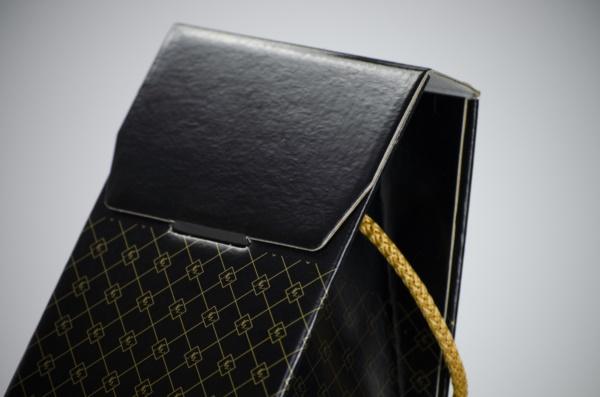 Confezione a sacchetto magnum 2 colori| Packaging - Espositori - Bag in Box